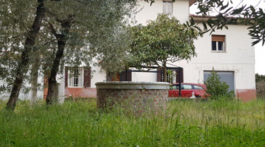 Casa padronale - a soli 10 minuti dalle mura di Lucca e 15 da Pisa